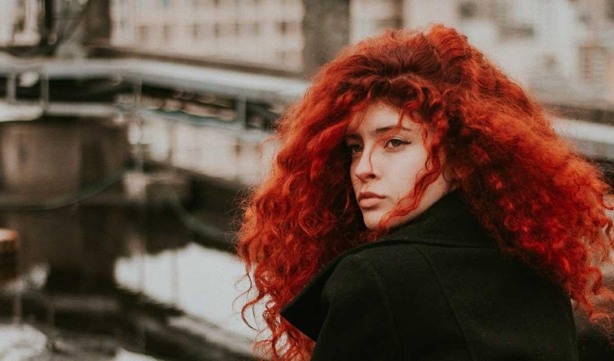 Blistava crvena boja kose za svaku priliku uz naše savete!