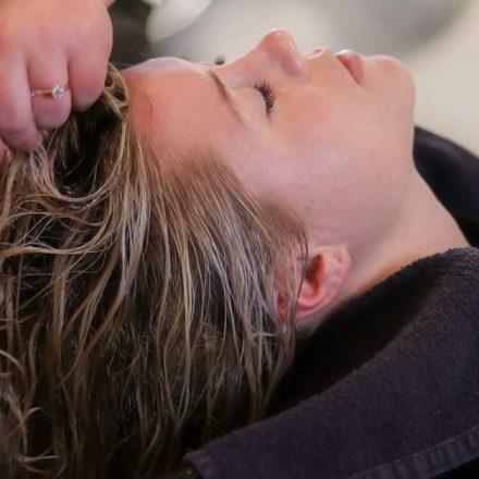 Sve prednosti koje ima kolor šampon za kosu!