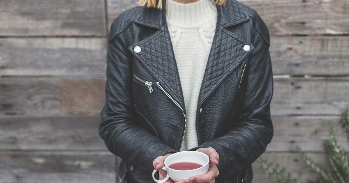 Crni čaj za kosu-vreme je da otkrijete koje čari ima