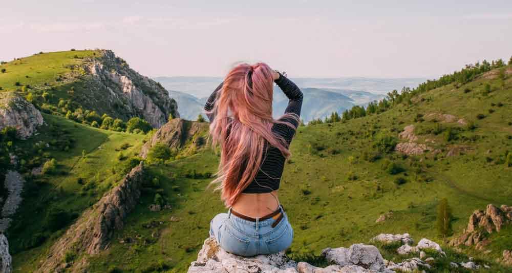 roze zlatna boja kose