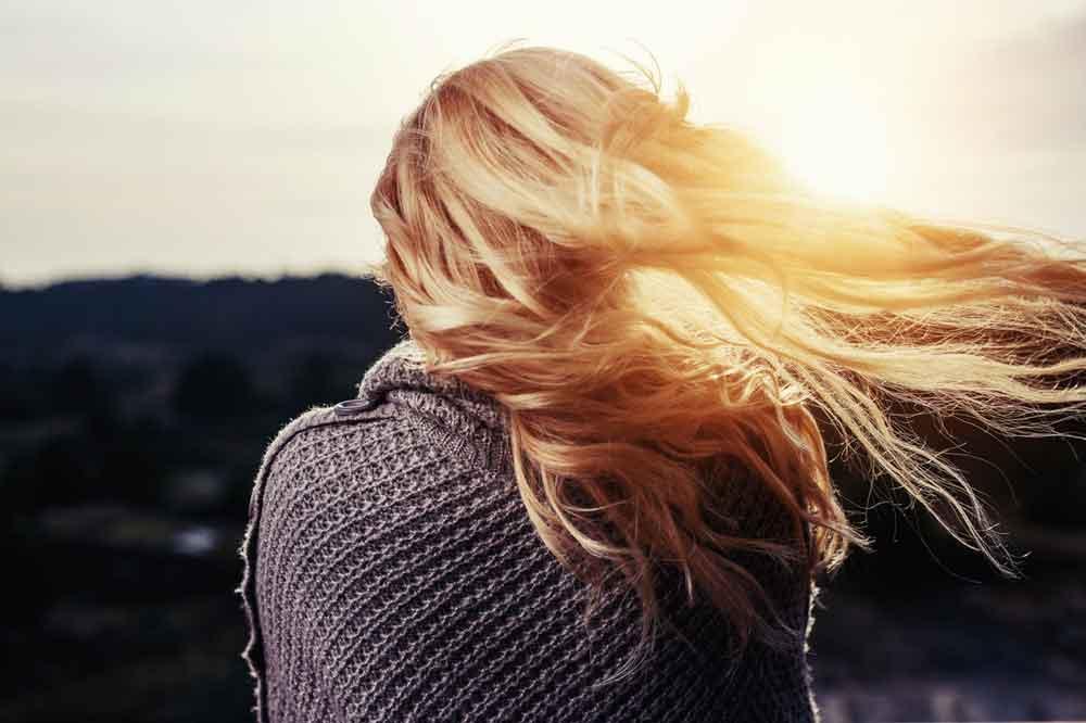 plavo zlatna boja kose