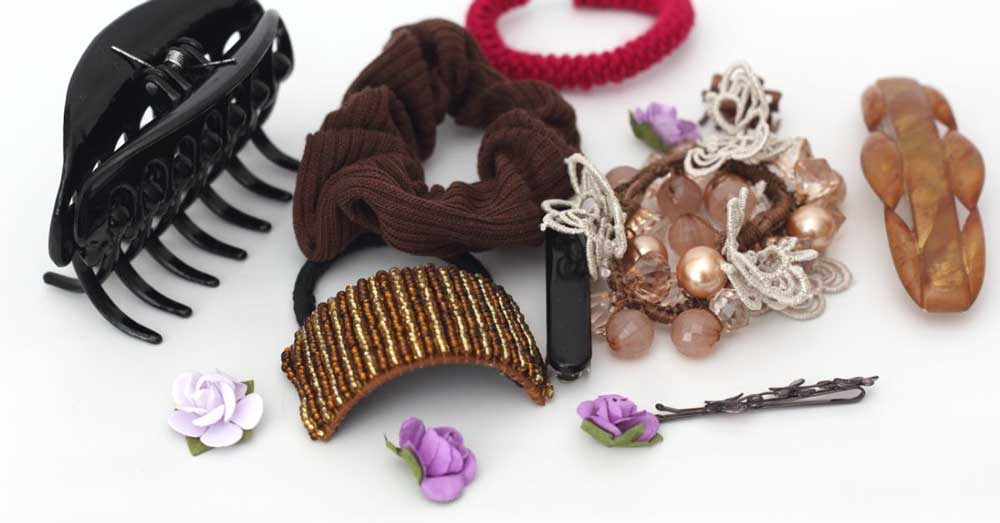 razni ukrasi i ukosnice za kosu