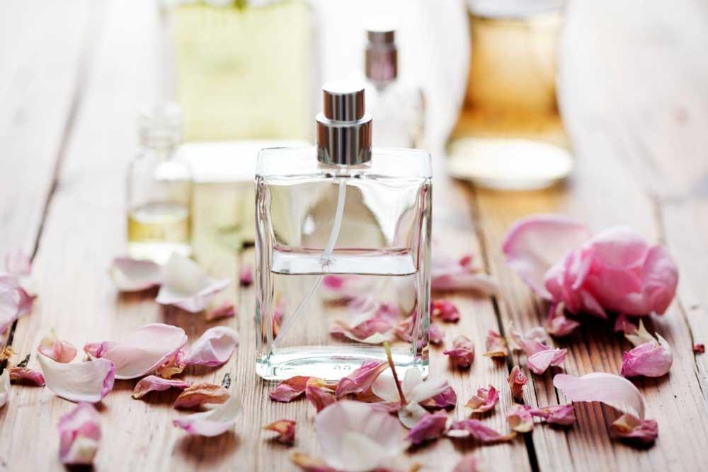 kako se koristi parfem za kosu