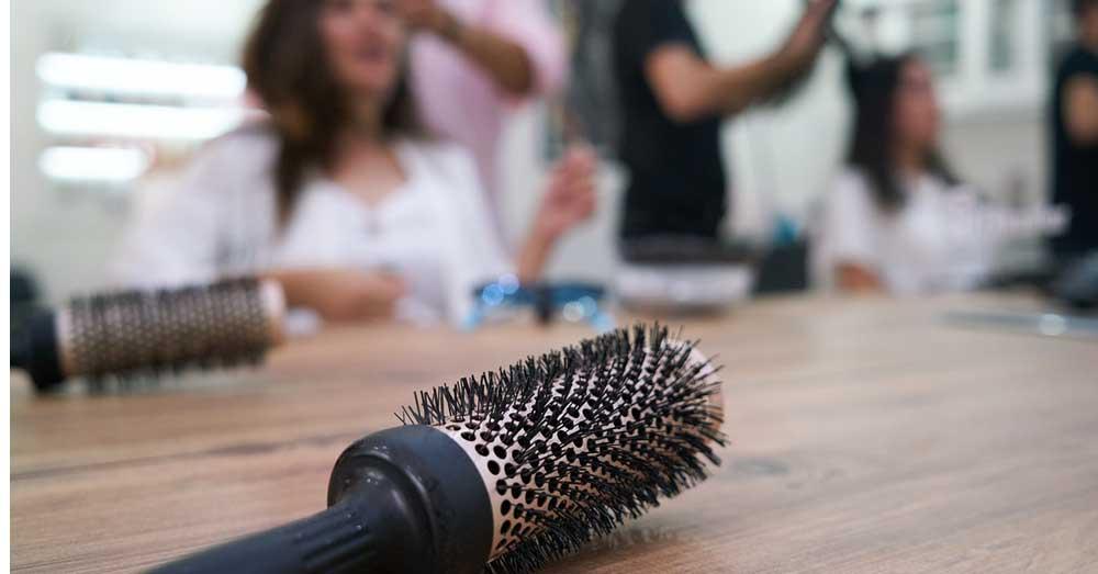 četka za ispravljanje kose kako se koristi