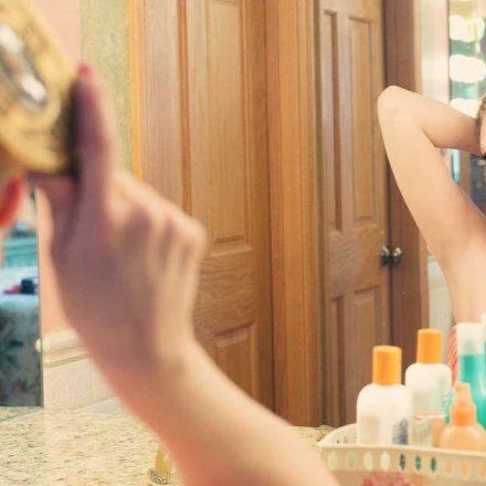 Čemu zapravo služi prajmer za kosu?
