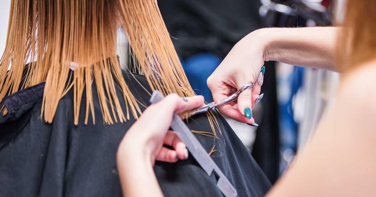 Stepenasto šišanje vašoj frizuri daje novu dimenziju!