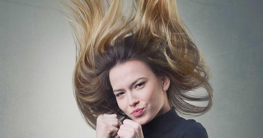 natapirana kosa sa češljem