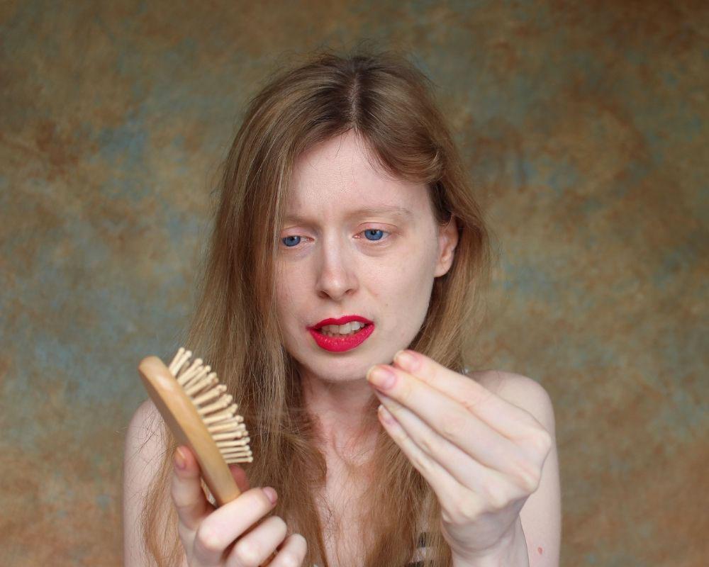 opadanje kose sa korenom