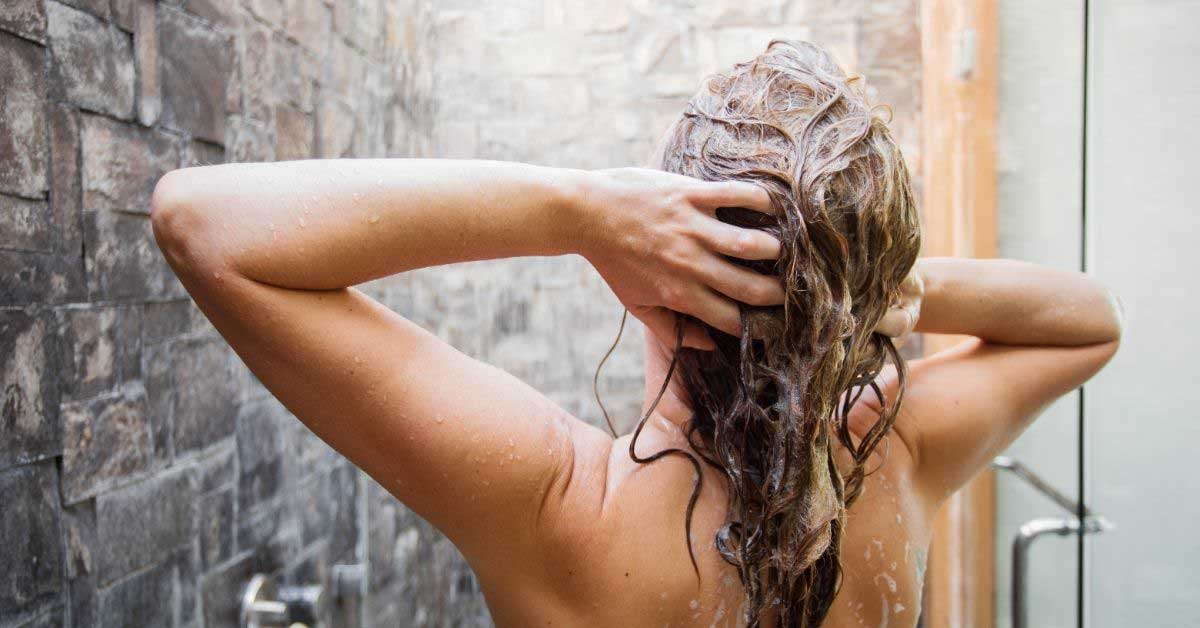Sprečite pojačano opadanje kose posle pranja!
