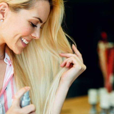 Napravite sami prirodni sprej za suvu kosu!