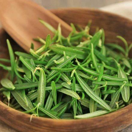 Koje su najbolje biljke protiv opadanja kose?