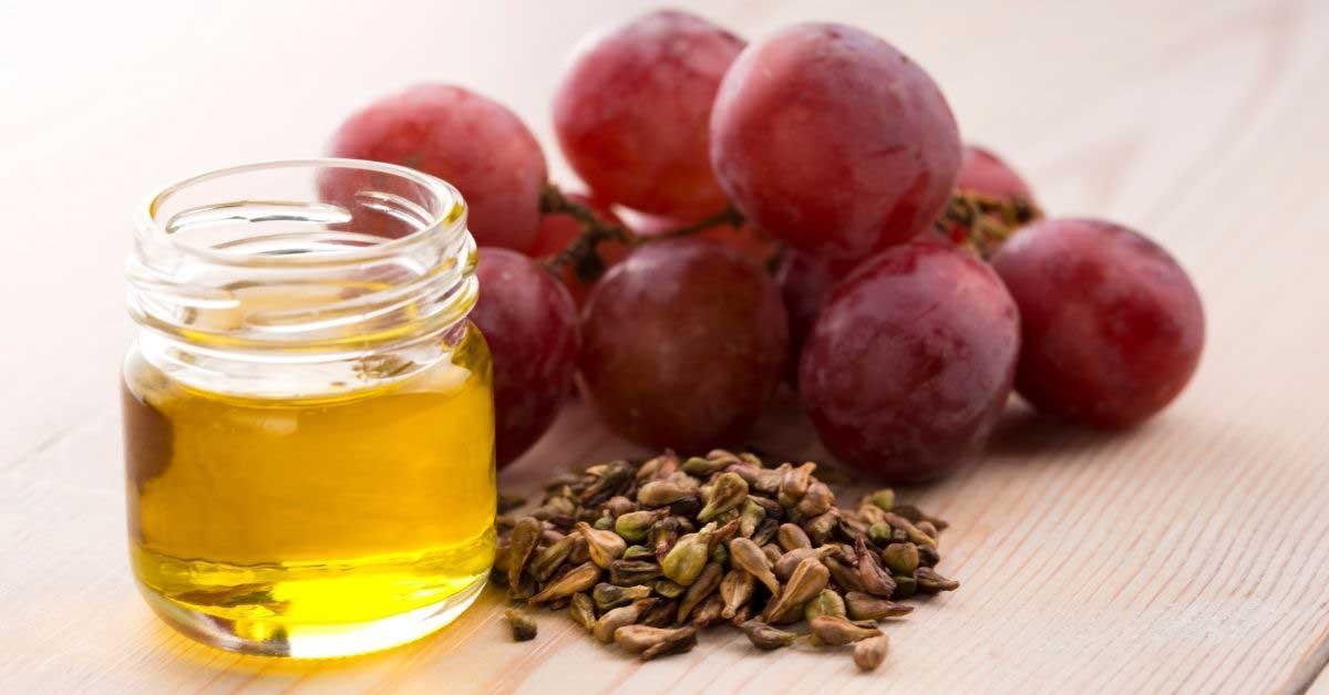 Rešava vas peruti i gubitka vlasi: ulje od semenki grožđa za kosu!