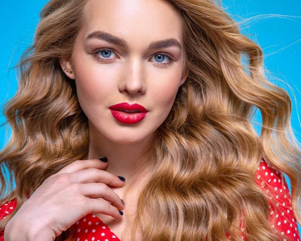 frizura koja podmlađuje talasasta kosa