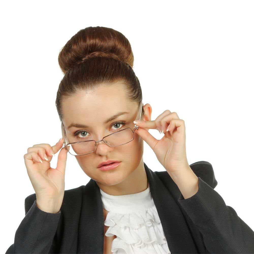 srednje frizure koje idu uz naočare